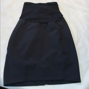 A Pea In The Pod black maternity skirt small